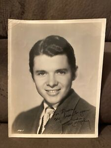 8 X 10 AUDIE MURPHY SIGNED PHOTO WW2 METAL OF HONOR RECIPIENT ACTOR COWBOY $299.99