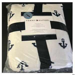 Tommy Hilfiger Nautical White Plush Blanket with Navy Anchors Twin Size New $42.87