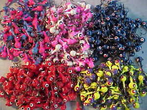 50 NEW EAGLE CLAW 1 4 OZ LEAD JIG HEADS SIZE 2 HOOK JIGS WHITE CHARTREUSE FISH