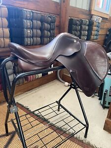 M. Toulouse Professional Close Contact Saddle 17 Adjustable Tree $1200.00