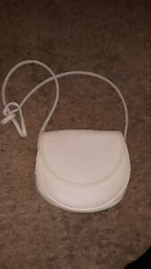 Vintage Coach Off White Leather Small Crossbody Magnetic Flap USA Made