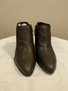 Womens booties size 9.5 $30.00