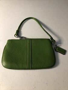 Authentic Coach Wristlet Green Leather Wallet Clutch NWOT