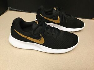 Womens Nike Tanjun Black Gold Running Shoes. Size 9. Awesome Shoes $35.00