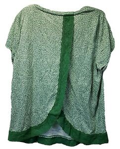 NWT Woman LAUREN CONRAD Lace TOP Size XXL Green and White with Solid Trim $36 $20.00