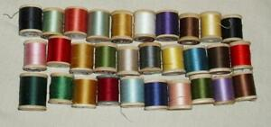 VTG LOT 30 WOODEN SEWING WOOD SPOOLS WITH THREAD CORTICELLI COATS CLARK LILY $27.95