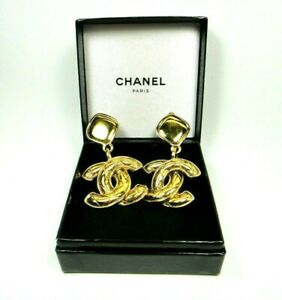CHANEL QUILTED CC DANGLING DROP LARGE GOLD TONE CLIP EARRINGS SIGNED VINTAGE $1750.00
