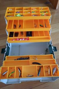 26 Vintage Freshwater Fishing Lures w Rebel Tackle Box Also Terminal Tackle