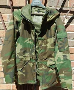 Vintage Military Gore Tex Camouflage Woodland Cold Weather Parka Small Reg. $65.00