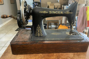 Singer Hand Crank Antique Sewing Machine 1920's With Wooden Case $199.99