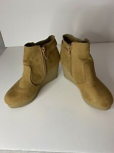 Bamboo Womens Booties Slip On Ankle High Platform Wedge Brown Size 5 1 2 EUC $19.99