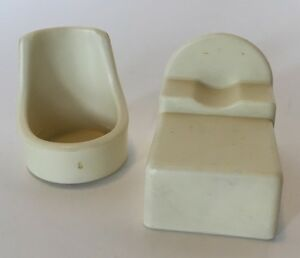 kenner 1975 chair and bed for tree tots family