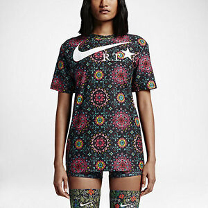 Nikelab x Riccardo Tisci printed T shirt SOLD OUT Womens L Nike Dry-Fit Mens M