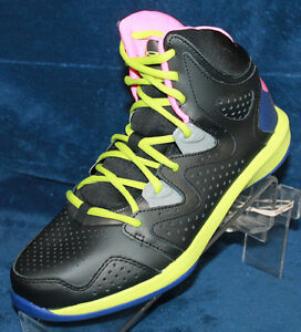 Youth Boys Under Armour BGS Torch 2 Size 6.5 - 1241919-004