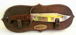 VTG 1977 Western W49 A Bowie knife Steel Rosewood Wood Handle on Display Plaque