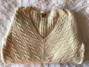 Ann Taylor Loft White V-neck Cable Knit 100% Wool  Sweater Size M