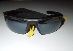NWOT Under Armour Igniter Black Satin  Gray Lens UA 8600028-4801 incl. Sleeve