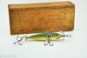 Heddon Underwater Minnow Green Crackle Back Lure in Correct Wood Box