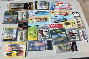 HUGE FISHING LURE LOT BOMBER REBEL YUM CULPRIT BLACK DOG BLUE FOX AND MORE