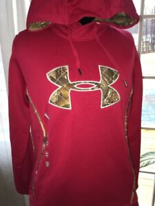NWT UNDER ARMOUR Women's Realtree Xtra Camo Storm1 Caliber Red Hoodie ~ Small