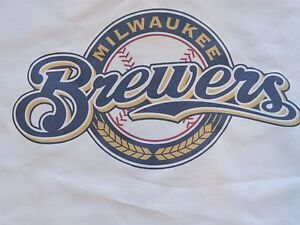 1 MILWAUKEE BREWERS MLB BASEBALL SEWING BLOCK QUILTING SQUARE FABRIC MATERIAL $12.99