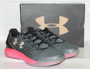 Boys Youth Under Armour BGS Clutchfit Drive 3 Low New Shoe Size 6 - 1299563-002