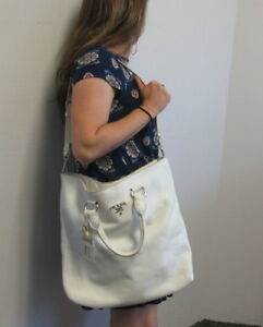 PRADA WHITE PEBBLED LEATHER 2 IN 1 TOTE BAG