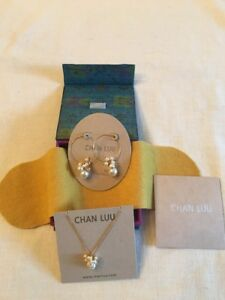 Chan Luu Swarovski Pearl & Crystal Gold Necklace & Earrings Gift Set New