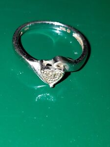 10kt Solid White Gold Small Diamond Heart Cluster Ring ~ Size 5 ~ 1.4 Grams