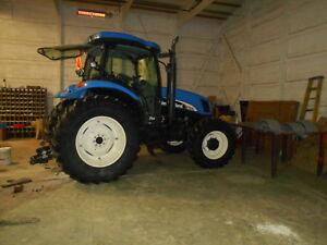 2004 NEW HOLLAND TS115A  MFWD  CAB  SN = ACP229945  NEW TIRES