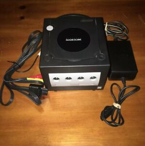 NINTENDO GAMECUBE CONSOLE WITH POWER CORDS WORKS GREAT!