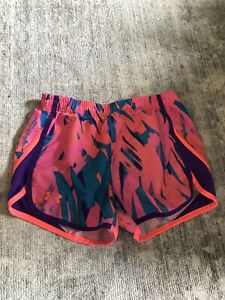 Girls Under Armour Shorts Sports Running Large 1012 Neon Pink