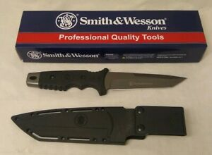 Smith & Wesson  SW7 Black Tactical Straight Tanto Fixed Blade Knife + Sheath