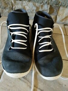 Boys Under Armour 7.5 High Top Shoes