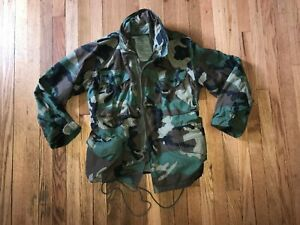 MILITARY COLD WEATHER FIELD JACKET WOODLAND CAMO  small short 8415-01-099-7830