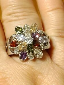 Gorgeous Women's Floral Shaped, Round Cut Topaz Silver Ring, Size 7