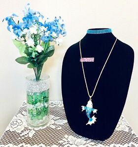 BETSEY JOHNSON KOI STYLE FISH WOMENS FAUX CRYSTALS FASHION PENDANT NECKLACE
