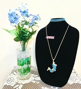 BETSEY JOHNSON KOI STYLE WOMENS FAUX CRYSTALS FASHION PENDANT NECKLACE