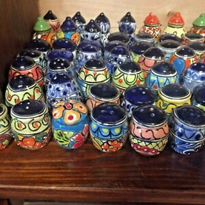 TALAVERA MEXICAN POTTERY - COLORFUL SALT & PEPPER SHAKERS **FREE FREIGHT**