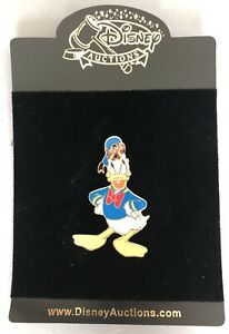 Disney Auctions P.I.N.S. Donald Duck Chip amp; Dale under Hat LE 1000 New on Card $34.90