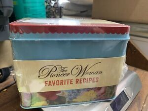 The Pioneer Woman Favorite Recipes in Floral Tin NEW