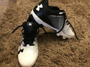 Under Armour MENS Black White Baseball Rubber Cleats Size 7 Spikes Shoes $4.99