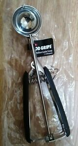 OXO GOOD GRIPS MEDIUM COOKIE / ICE CREAM SCOOP -STAINLESS STEEL -FREE SHIPPING