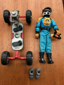 Hasbro Action Man amp; Vehicle Skateboard Extreme From1997. Extra boots.