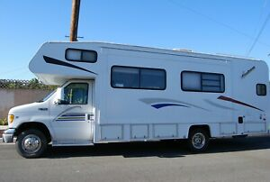 2000 Ford coachman E450 RV one slide out lots of recent reconditioning