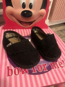 Toms Toddler Kids Shoes Sneakers Size 4c $13.00