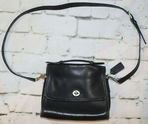 COACH PURSE HANDBAG BLACK LEATHER IN GOOD PRE OWNED CONDITION AUTHENTIC