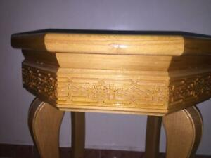 FURNITURE ROUND TABLE $35.00