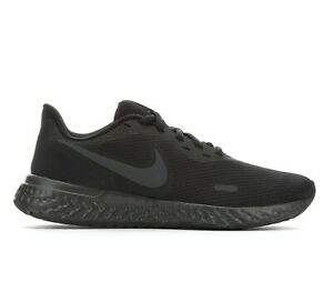 Nike Womens Revolution 5 Running Shoe New Black Size 7 7.5 8 and 8.5 $63.99