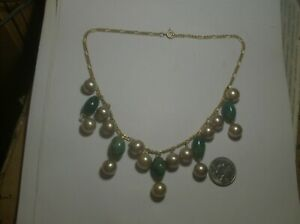 PRETTY JADE GLASS amp; GLASS PEARL NECKLACE 1940s VINTAGE